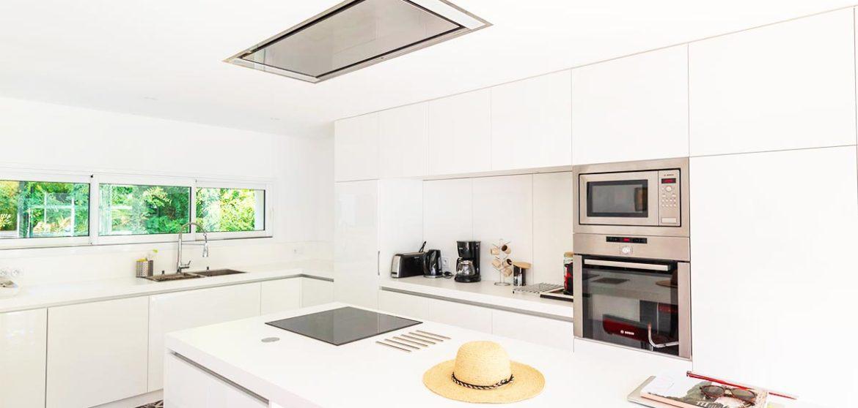 location villa a piscine longeville-sur-mer cuisine