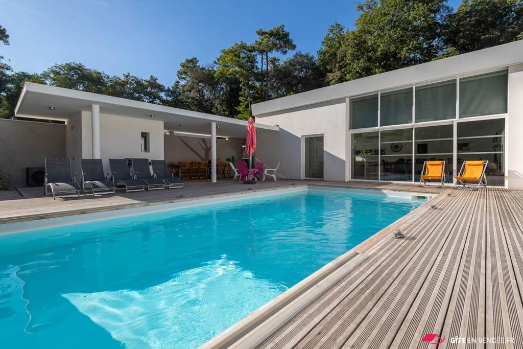 location villa piscine jacuzzi longeville-sur-mer