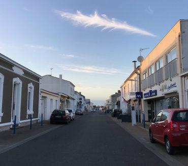 Rue commerçante de l'Aiguillon