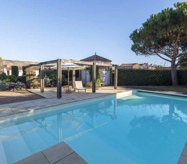 location logis de la garde angles espace piscine