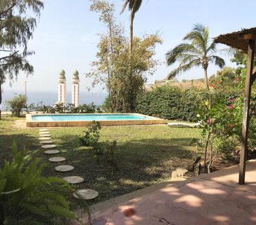 villa ouakamba dakar terrasse jardin