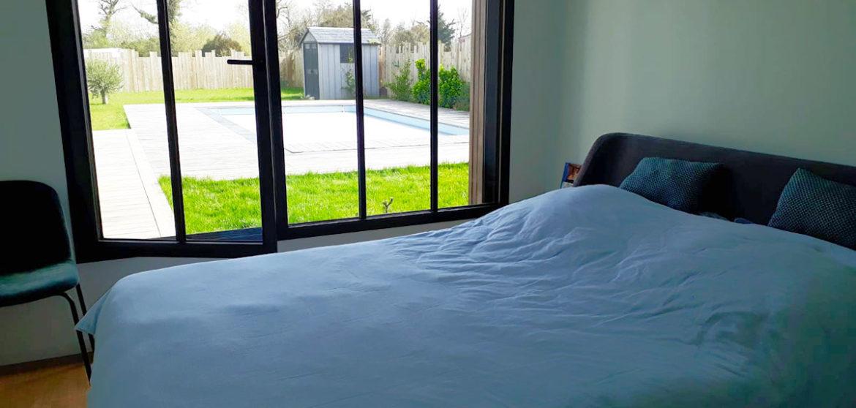 location maison contemporaine avec piscine longeville-sur-mer chambre