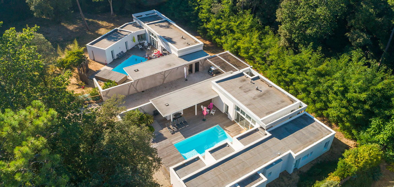 location villa contemporaine avec piscine longeville-sur-mer